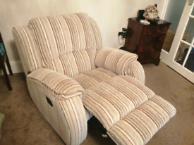 3 seater settee, 2 reclining chairs