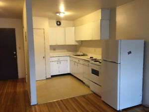 Oct 1st - Great Location! Lower Lonsdale 2 Bedroom