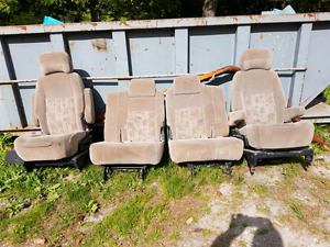 4 GM Minivan Seats