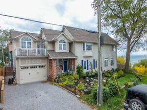 LUXURIOUS WATERFRONT LIVING IN PORT. DALHOUSIE! 4BED + 3BATH