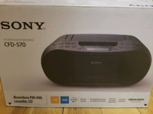 Sony Mega Bass Boombox CFD-S70