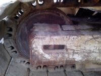FRONT IDLER WHEEL AND SIDE PLATES for 1978 Cat excavator