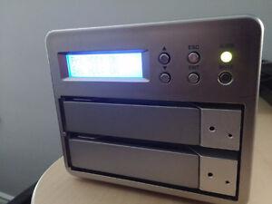 Stardom SOHORAID 0+1, 2-drive storage solution London Ontario image 1