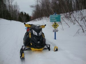 LAST CHANCE: 2014 SKI DOO SNOWMOBILE IN NEXT TO NEW CONDITION