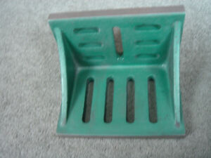 """Slotted Angle Plate Webbed End, 12""""x9""""x8"""" cast iron, used"""