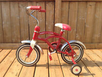 Vintage Radio Flyer Tricycle - great condition - photo shoot