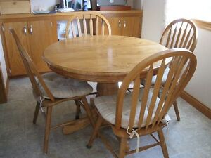 Dining Table and 6 chairs - REDUCED!!!