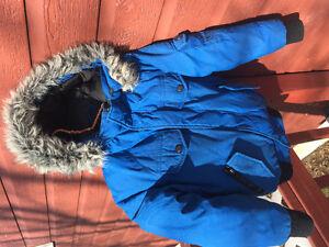 Manteau d'hiver chaud et de qualité pour garçon 5 à 7 ans.