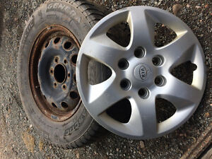Kia Sedona rims tires and hub cap