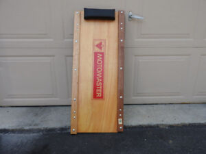 Motomaster Wooden Garage Creeper