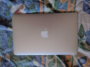 2015 Mint Condition Macbook Air 11
