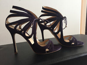 Brand new in box! Chelsea Paris - Ada suede - size EURO 40/US 9