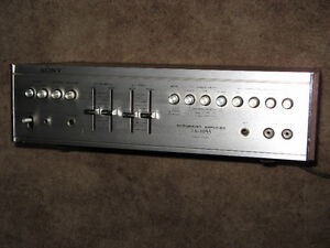 VINTAGE SONY TA-1055 INTEGRATED AMP !