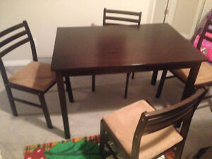 Like new dining table solid wood+ 4 chairs Cambridge Kitchener Area image 1