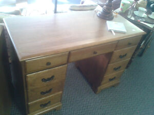Desks at The Meetinghouse! Windsor Region Ontario image 1