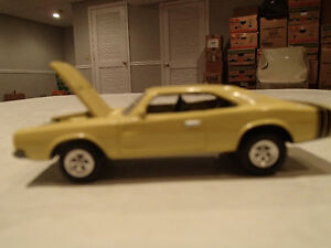 RARE Loose Light Gold 1968 '68 DODGE CHARGER R/T with Real rubbe Sarnia Sarnia Area image 3