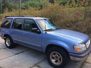 1997 Ford Explorer SUV, Crossover