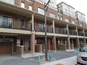 For sale 4 bedroom Townhouse in Oshawa