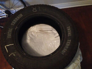 PRACTICALLY NEW Motomaster APX 215/70R16-tires-all weather tires Gatineau Ottawa / Gatineau Area image 3