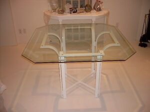 BEVELLED GLASS DINING TABLE AND CHAIRS West Island Greater Montréal image 4