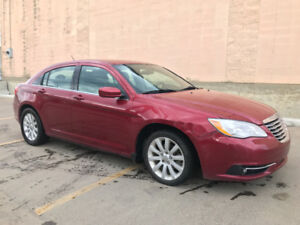 2013 CHRYSLER 200 TOURING EDITIONG HAS 162234 KMS HEATED SEATS!