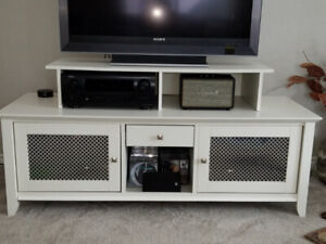 entertainment unit/tv stand