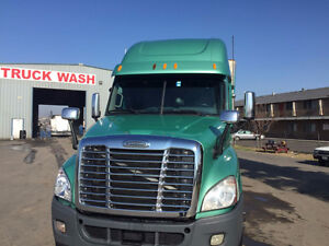 2012 FREIGHTLINER CASCADIA  PRICE REDUCED....!!!!!!