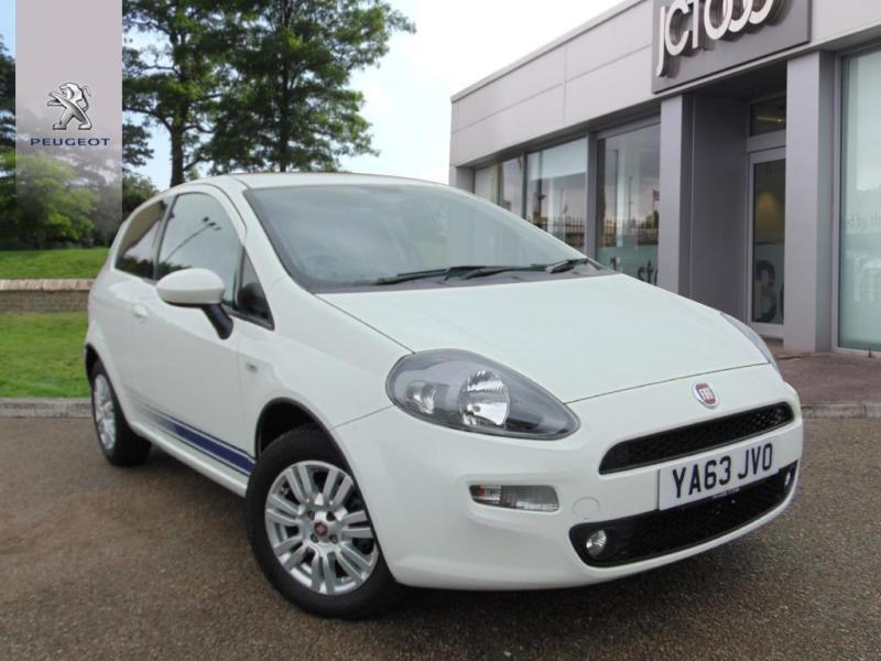 2014 fiat punto easy manual hatchback in bradford west yorkshire gumtree. Black Bedroom Furniture Sets. Home Design Ideas