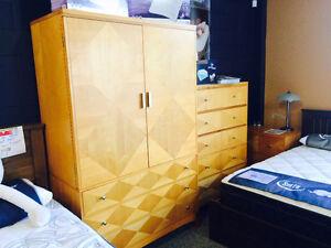 Floor display king size bedroom set,complete set save over $3000