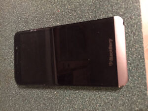 used blackberry Z30 ( TELUS )
