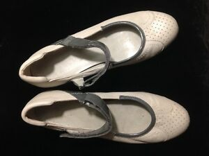 Ladies Baby Jane Shoes by Nine West size 7 1/2