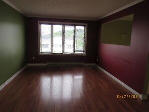Three bedroom apartment available Oct. 15 - Sunnyslope area