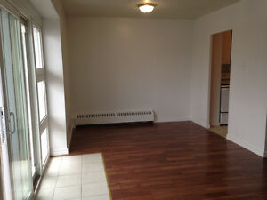 3 BR SPECIAL WITH NEW FLOORS - IMMEDIATE OCCUPANCY - NEAR PEN