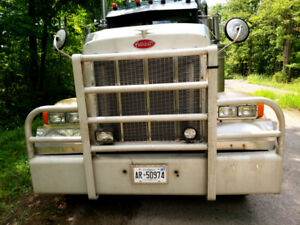 2004 Peterbilt 379 bumper