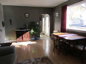 1bdrm main floor apartment close to Broadway, downtown, U of S