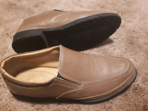 Arnold Palmer size 11 leather casual dress shoes