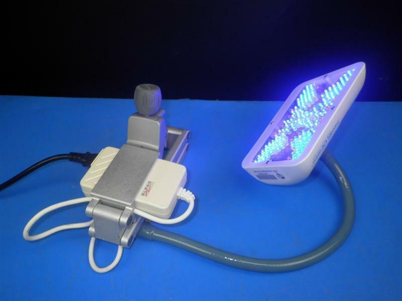 NATUS NEOBLUE MINI LED PHOTOTHERAPY LIGHT  Bilirubin w pole clamp