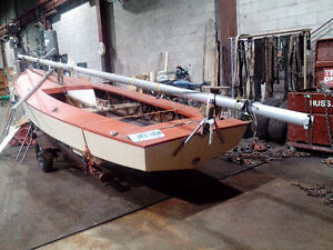 Day sailer 20 ft with trailer