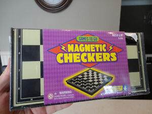 5 Assorted Vintage Toys -Mighty Beans, Farm Animals, Checkers ++ Kitchener / Waterloo Kitchener Area image 6