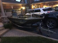 18ft tracker boat w 90hp optimax, trailer & extras