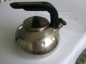 STAINLESS STEEL KITCHEN AID WHISLTE KETTLE