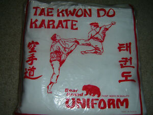 BRAND NEW KARATE OUTFIT NEVER TOUCH OR WORN SIZE 6 STILL IN BAG!