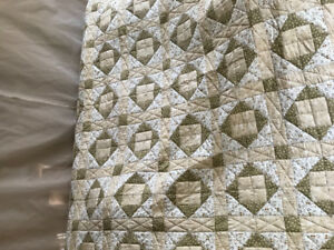Sugar/Spice New hand quilted King Quilt or Queen size bedspread