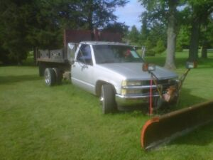 94 Chev dual 1 ton dump  truck and plow