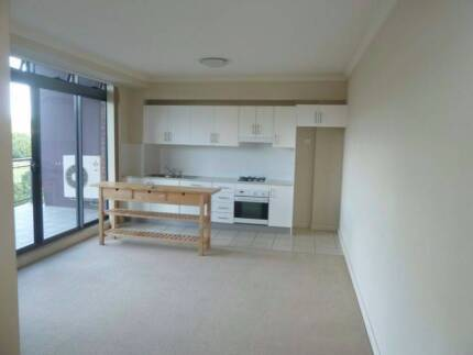 Room for rent in Hornsby. Great location. Hornsby Hornsby Area Preview