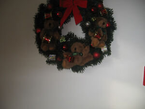TEDDY BEAR AND BOWS CHRISTMAS WREATH Kingston Kingston Area image 2