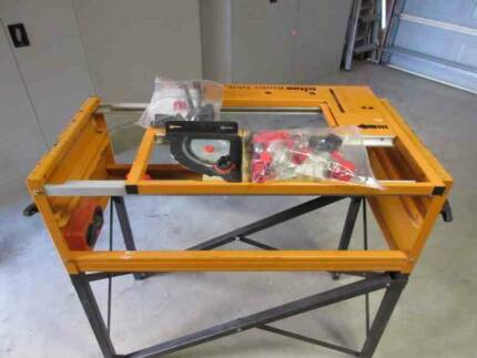 Triton Router Table with Router