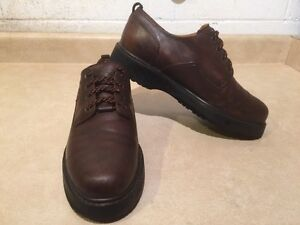 Men's Timberland Waterproof Leather Shoes Size 9.5 London Ontario image 3