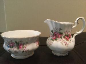 Royal Albert - Cream & Sugar Set - Lavender Rose