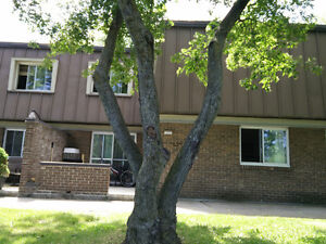 2 story townhouse, 2bd, 1.5bath beaconsfield